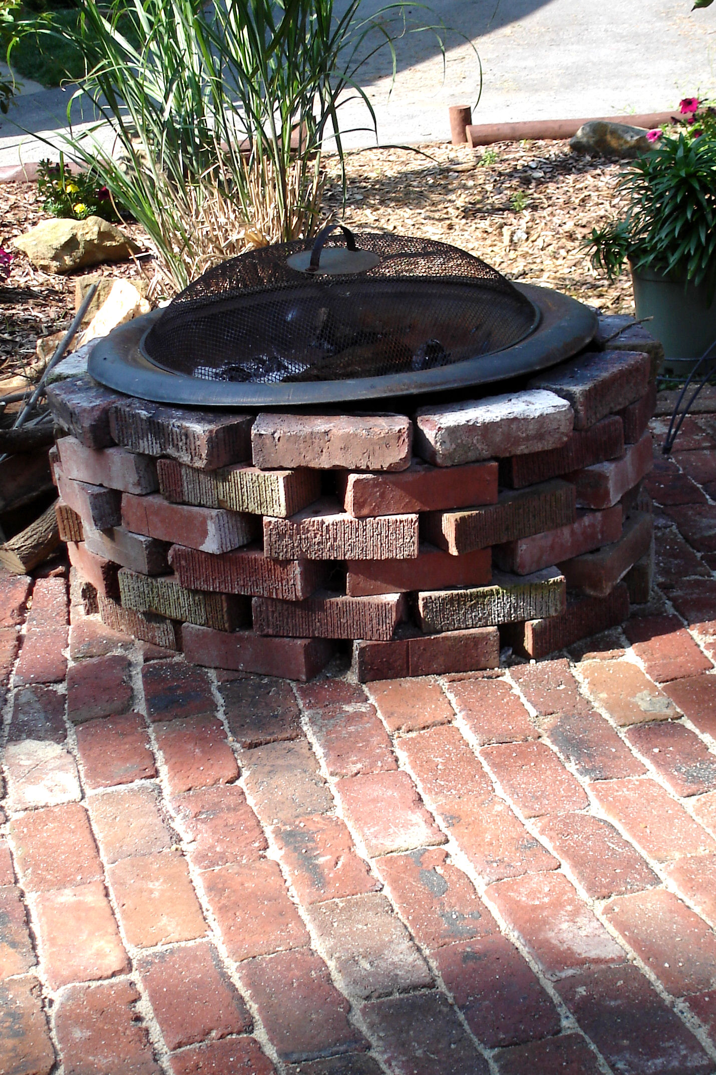 Is The Patio Perfect? Of Course Not! If You Want A Perfect Patio, Youu0027ll  Have To Use New Pavers. But The Antique Brick Paired With The Runningbond  Pattern ...