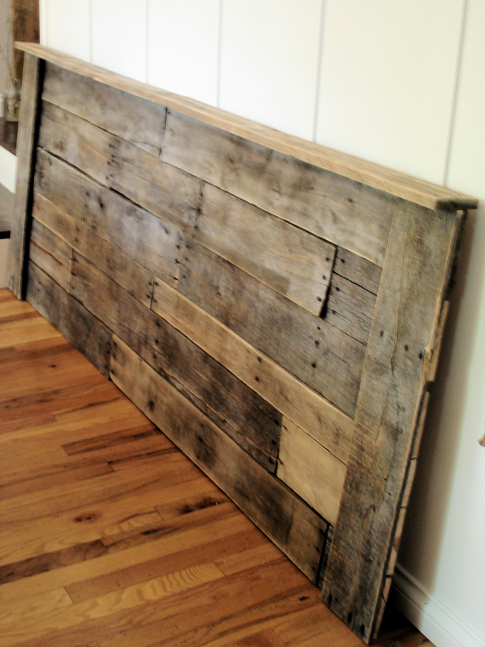 Upcycling Pallet Headboard