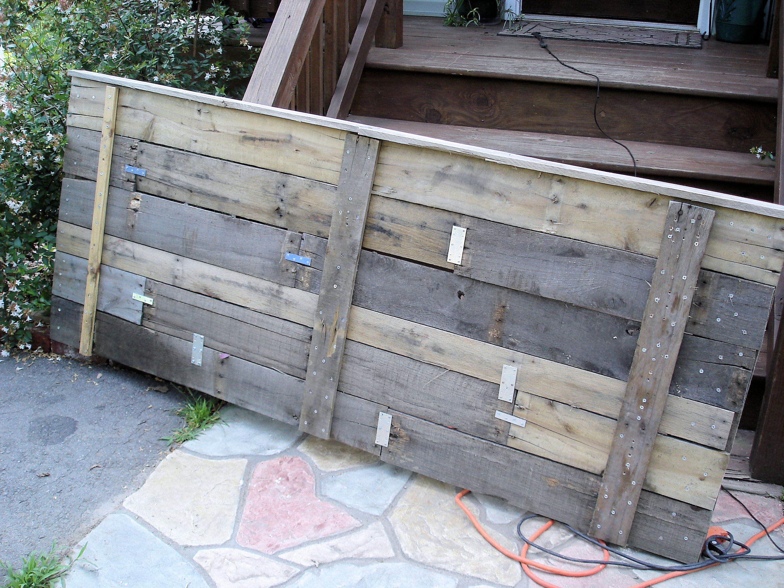 Upcycling: Pallet Headboard